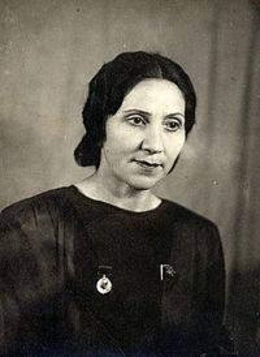 Azərbaycan səhnəsinin ən qüdrətli aktrisalarından olan Mərziyyə Davudova