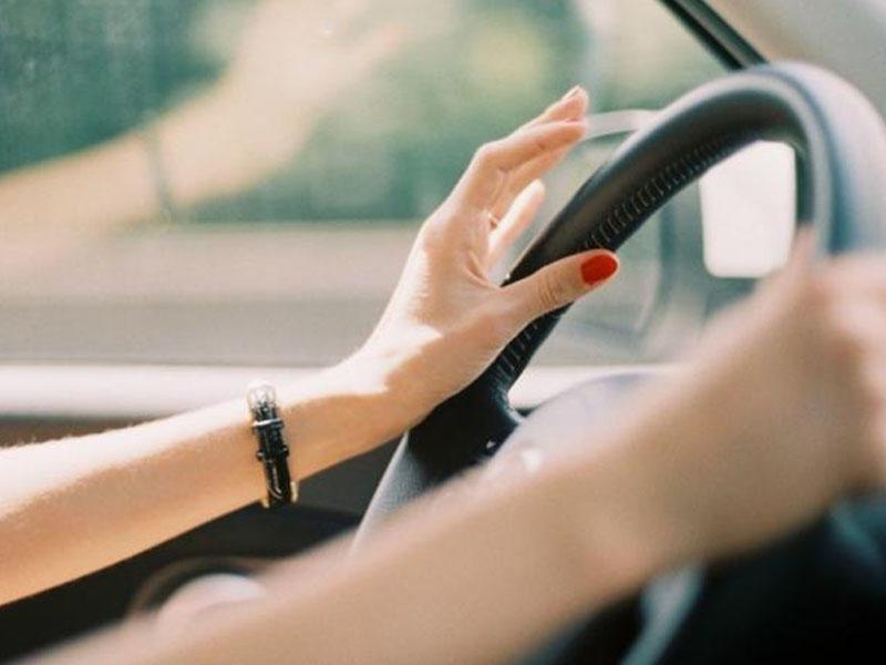 MARAQLI YENİLİK: sükan arxasında olan sürücülər YUXULAYA BİLMƏYƏCƏK – VİDEO