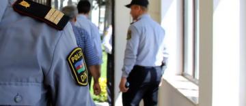 Azərbaycanda polis özünü güllələdi