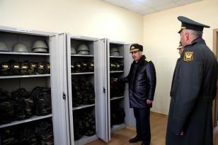Müdafiə naziri yeni istifadəyə verilən hərbi obyektlərlə tanış oldu – FOTO