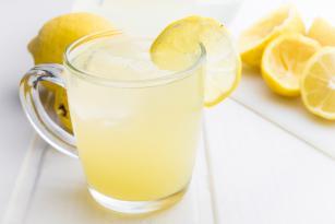 Hər gün bir stəkan limonlu su için – İNANILMAZ FAYDALARI