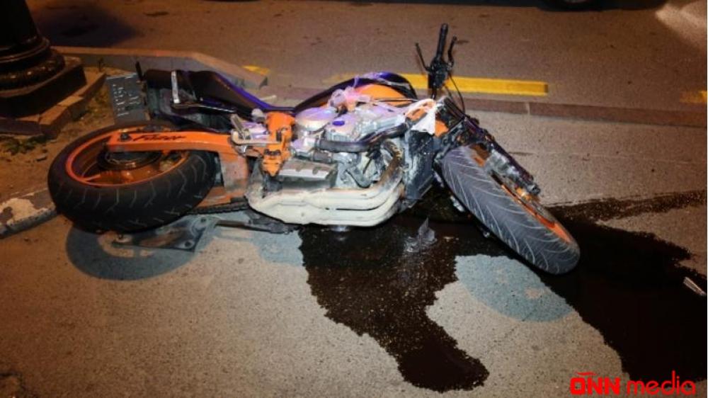 Motosikletlə minik avtomobili toqquşdu – YARALI VAR