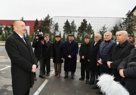Prezident vətəndaşlarla görüşdü – FOTO