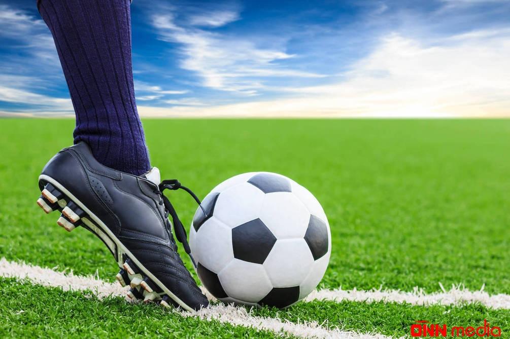 Məşhur futbolçuya ağır itki