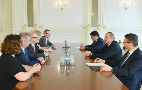 Əliyev Bundestaqın nümayəndələri ilə görüşdü