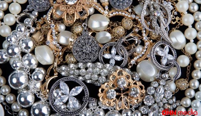 Azərbaycanda qızıl ucuzlaşıb, gümüş isə…