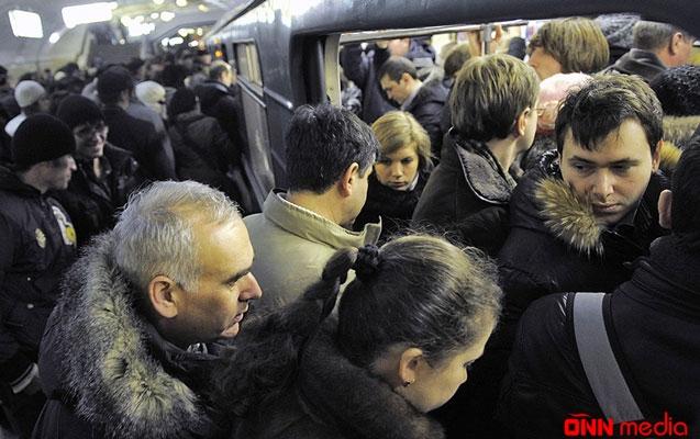 Metroda sərnişin sıxlığının səbəbi nədir? – AÇIQLAMA
