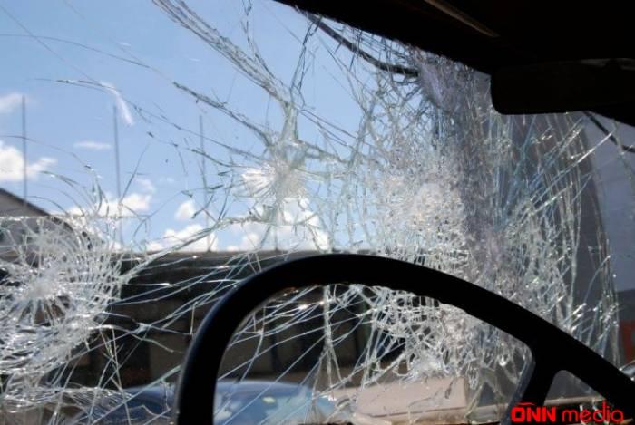 Mikroavtobus uşaqları vurdu – 5 yaralı