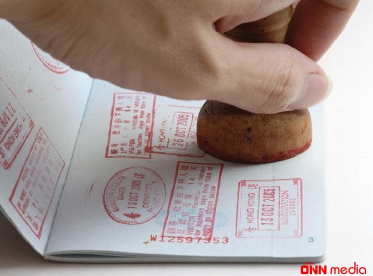 Artıq turistlərin pasportlarına möhür vurulmayacaq – RƏSMİ