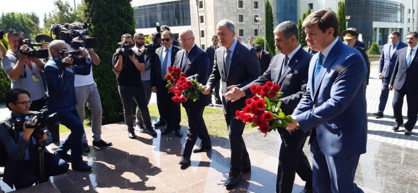 Azərbaycan, Türkiyə və Gürcüstan Müdafiə nazirləri Qəbələdə görüşdü -FOTOLAR