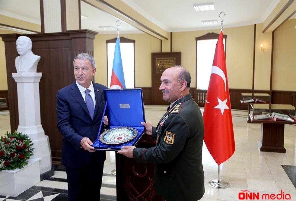 Naxçıvanda Azərbaycan və Türkiyə Müdafiə nazirlərinin görüşü keçirildi – VİDEO