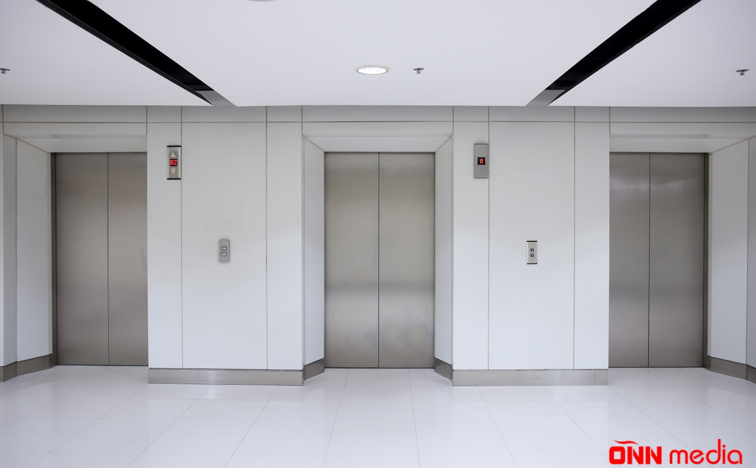 4 nəfər liftə köməksiz qaldı – FHN