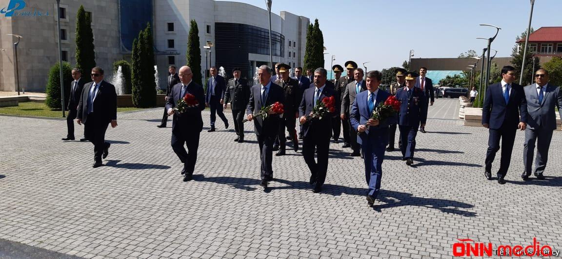 Azərbaycan, Türkiyə və Gürcüstan müdafiə nazirlərinin üçtərəfli görüşü başladı