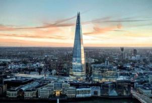 """Londondakı 310 metrlik """"Shard"""" göydələninə alpinist qalxdı"""