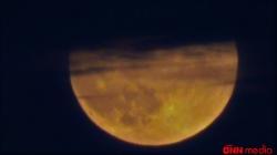 Bu gün baş verən Ay tutulmasından MÖHTƏŞƏM GÖRÜNTÜLƏR – FOTOLAR