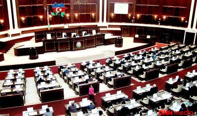 Milli Məclisin son plenar iclası başladı