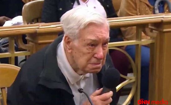 96 yaşında məhkəməyə çıxarıldı – Dünya bu görüntülərdən danışır – VİDEO