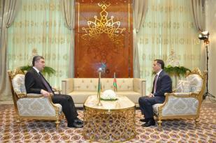Novruz Məmmədov Türkmənistan Prezidenti ilə görüşdü