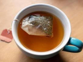Bitki çayı paketlərində İYRƏNC TAPINTI – Qaş, kirpik və…