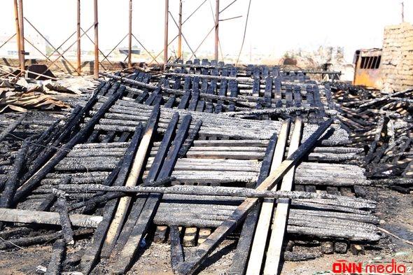 Taxta bazarındakı yanğından geriyə qalanlar – FOTO/VİDEO