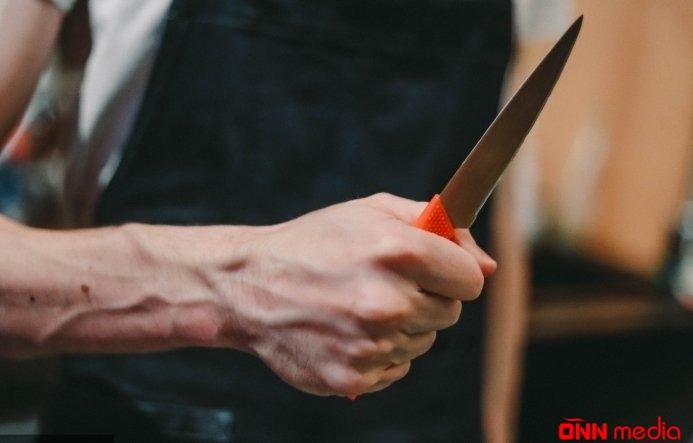 Bakıda dəhşət – 80 yaşlı kişi qadını boğazından bıçaqladı