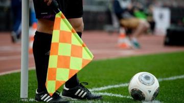Futbol meydanlarında görünməmiş OLAY – Hakim…
