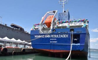 """Mənsimovun """"vurulan"""" gəmisi delfinlərlə yarışır – Video"""