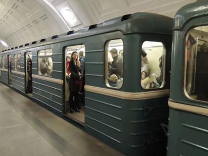 Bakı metrosunda HƏYƏCANLI ANLAR: İşıqlar söndü, sərnişinlər qatarda qaldı