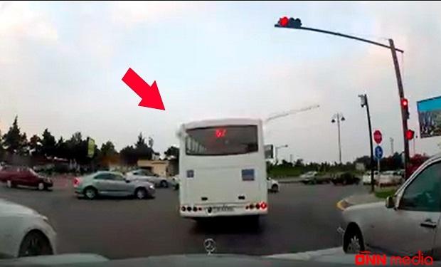Avtobus sürücüsündən kobud qayda pozuntusu