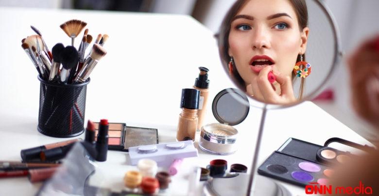 Kosmetika istifadə edənləri gözləyən dəhşətli təhlükə! – PROFESSOR AÇIQLADI