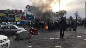 SON DƏQİQƏ: İran yenidən qarışdı – Polislər öldürülür