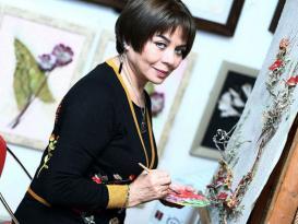 72 yaşlı Əməkdar artist gözəlliyinin sirrini açdı