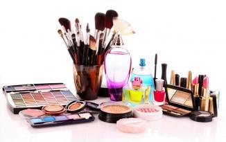 Kosmetika qabında ƏN TƏHLÜKƏLİ ƏŞYA NƏDİR?
