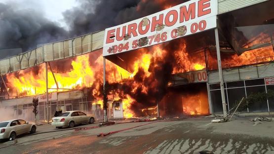 """""""EuroHome""""da ziyana düşən sahibkarlar aksiya keçirir – VİDEO"""