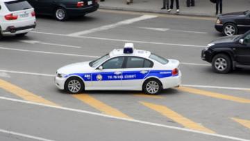 Azərbaycanda ŞOK HADİSƏ: polis saxladığı şəxs özünü bıçaqladı və…