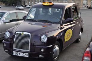 """Prezident tapşırdı: Bakıya yeni """"London taksisi"""" gətirilir"""