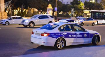 Sürücüdən rüşvət alan yol polisi ilə bağlı RƏSMİ AÇIQLAMA