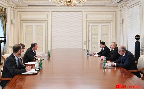 İlham Əliyev ABŞ dövlət katibinin müşaviri ilə görüşdü