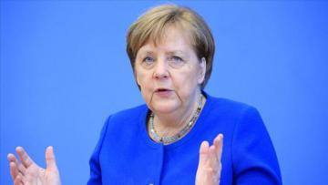 Merkeldən Pasxa xəbərdarlığı