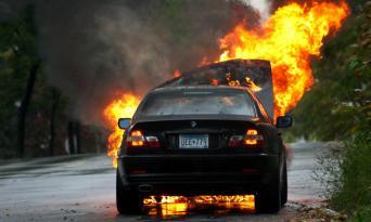 Kürdəmirdə avtomobil yandı – ÖLƏN VAR
