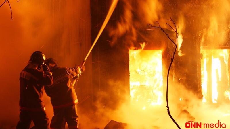 Bakıda bazar yandı