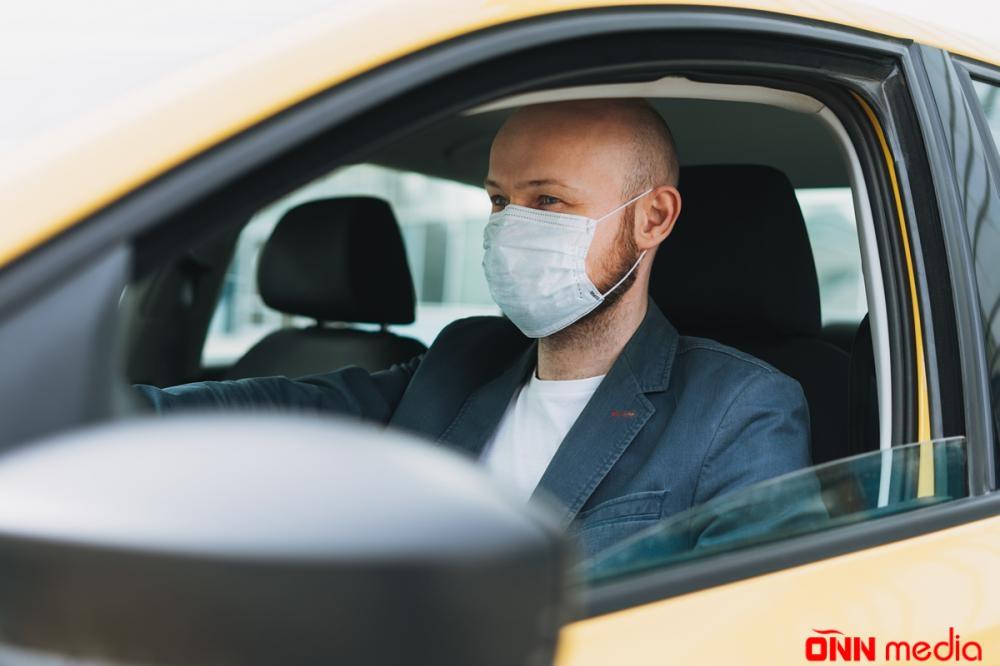 Şəxsi avtomobildə maska taxılmalıdır? – RƏSMİ AÇIQLAMA