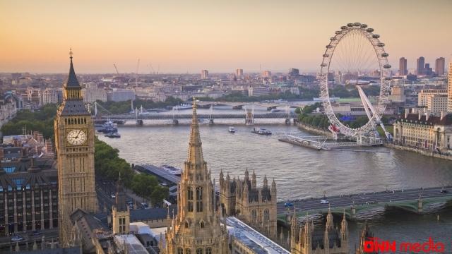 Londonda etirazlar davam edir: saxlanılanlar var