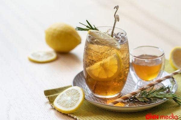Limon və kəklikotu ilə soyuq çayın HAZIRLANMASI