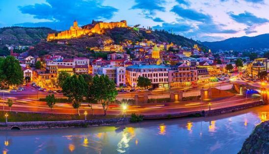 Azərbaycanlı polis mayoru Tiflisdə öldü