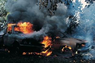 Binəqədidə YANĞIN: İki avtomobil kül oldu