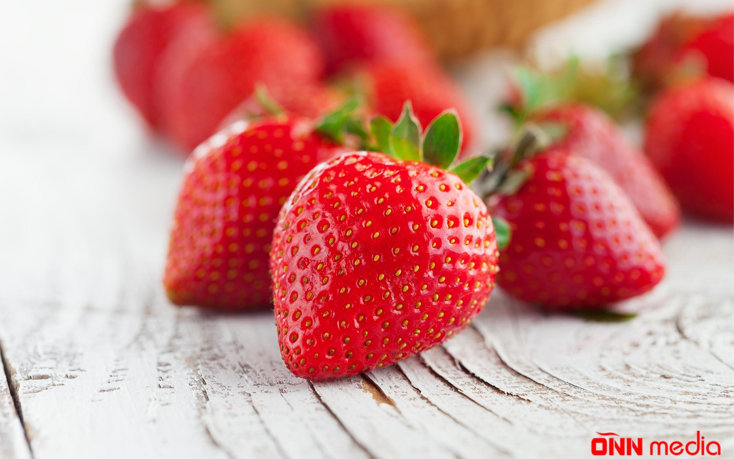 3 qırmızı meyvənin sehirli gücü