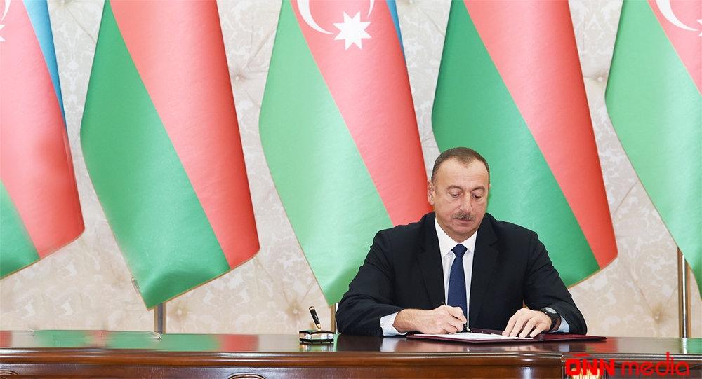 Prezident Şahin Mustafayevi vəzifədən azad etdi
