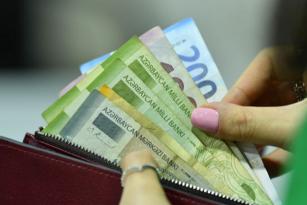 Dolların manata qarşı RƏSMİ MƏZƏNNƏSİ