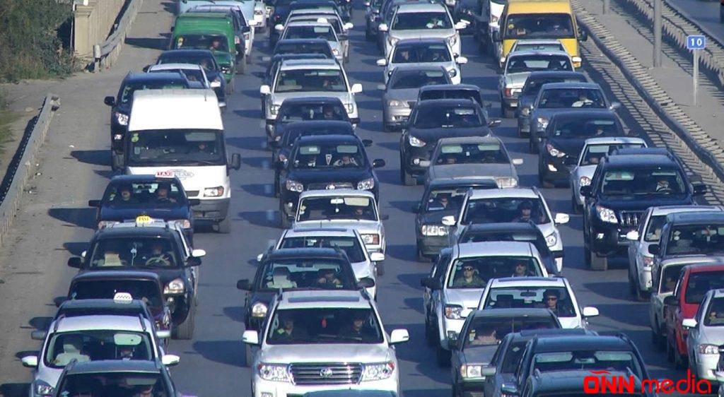 SON DƏQİQƏ: Bu yollarda tıxac var – Avtobuslar GECİKİR